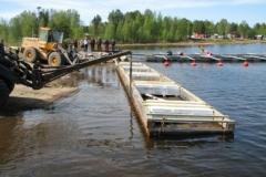 Sjösättning av bryggan i Rörbäck